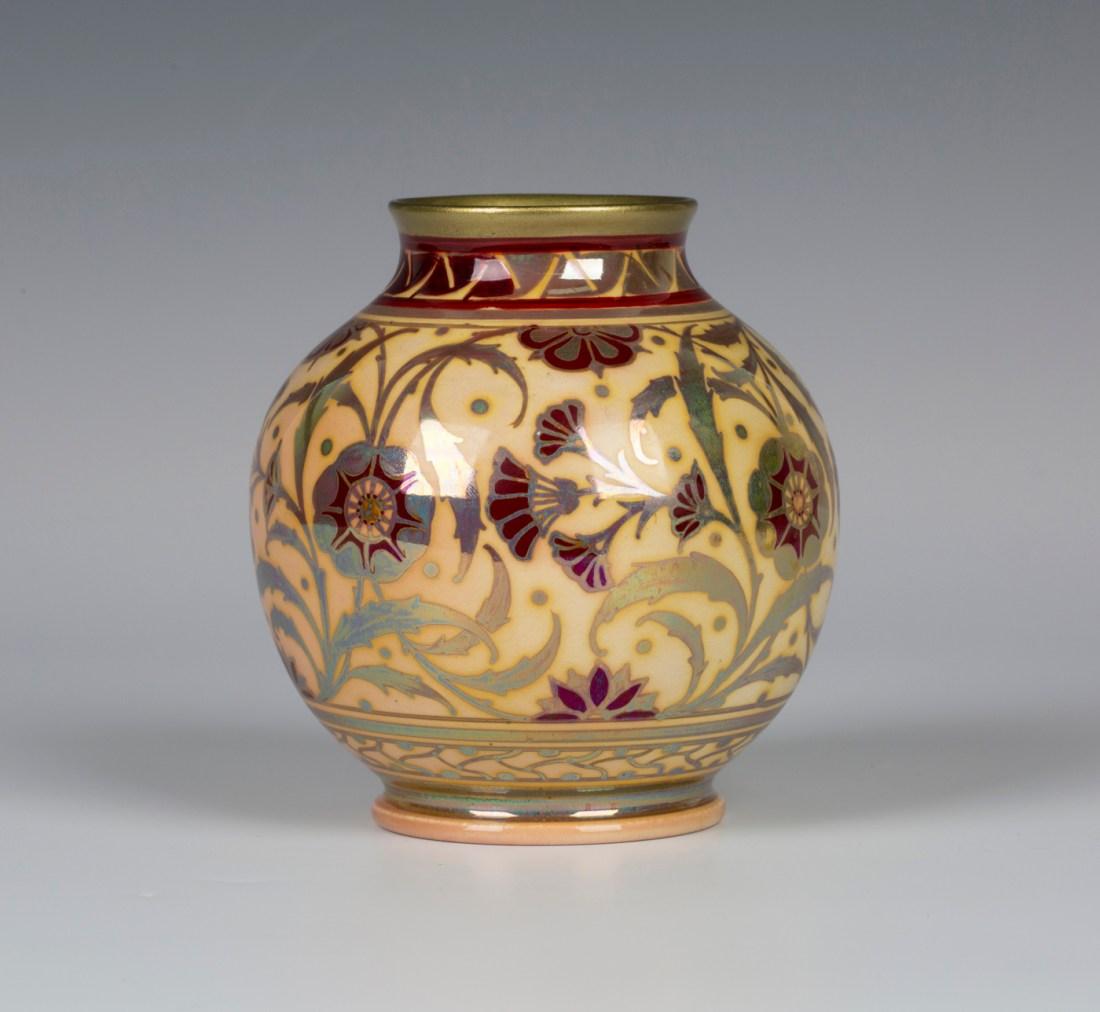 Lustre vase. ca. 1908.