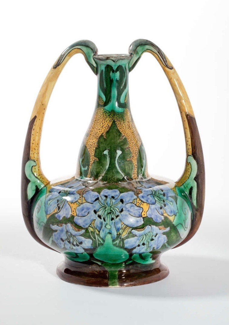 Ear vase, earthenware with floral motifs. Model 1082.