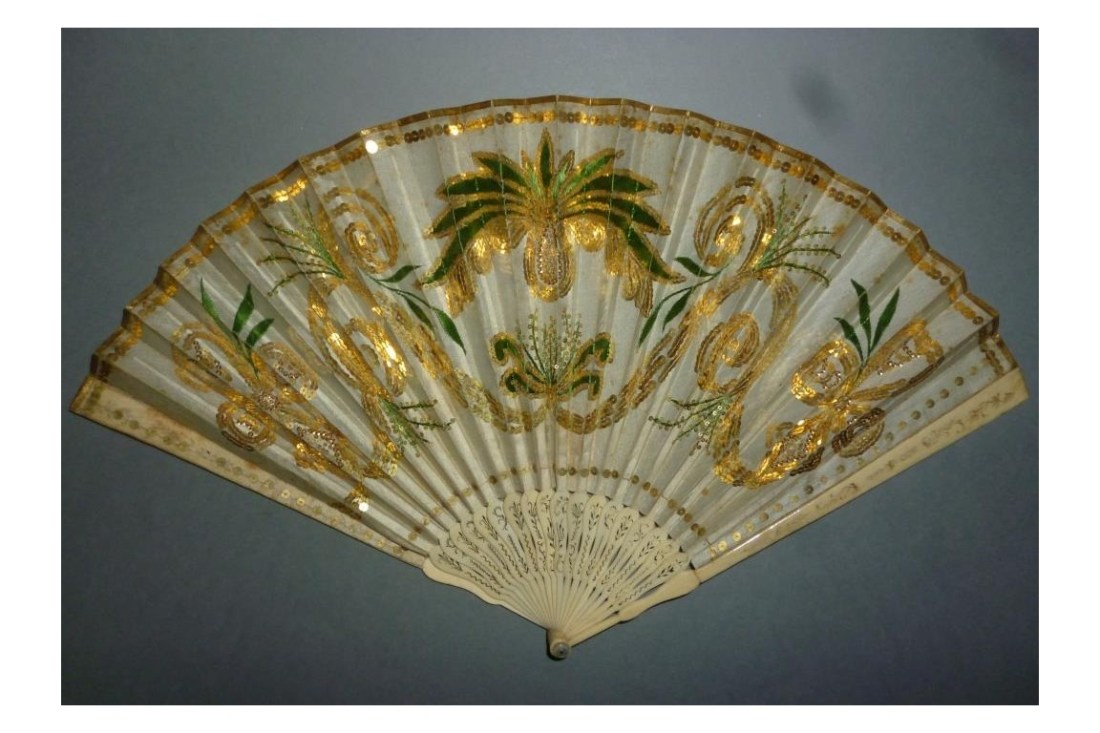 Imperial pineapple fan. ca. 1805-1810.