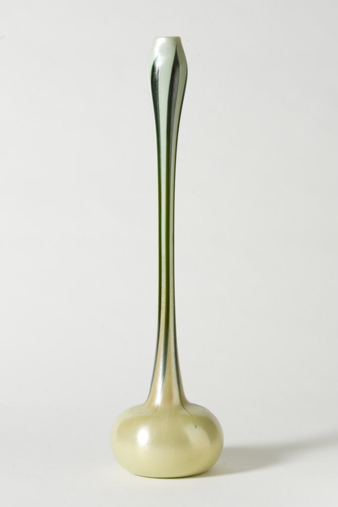 Egyptian onion form-vase. ca. 1901.