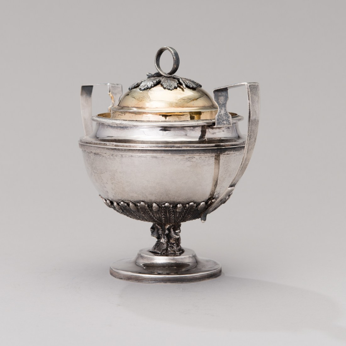 Sugar bowl with lid. 1816.