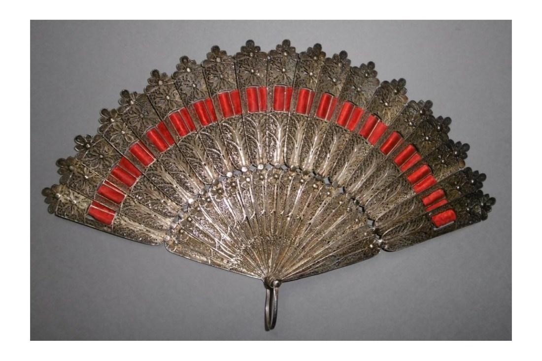 silver-flower-late-19th-century-fan