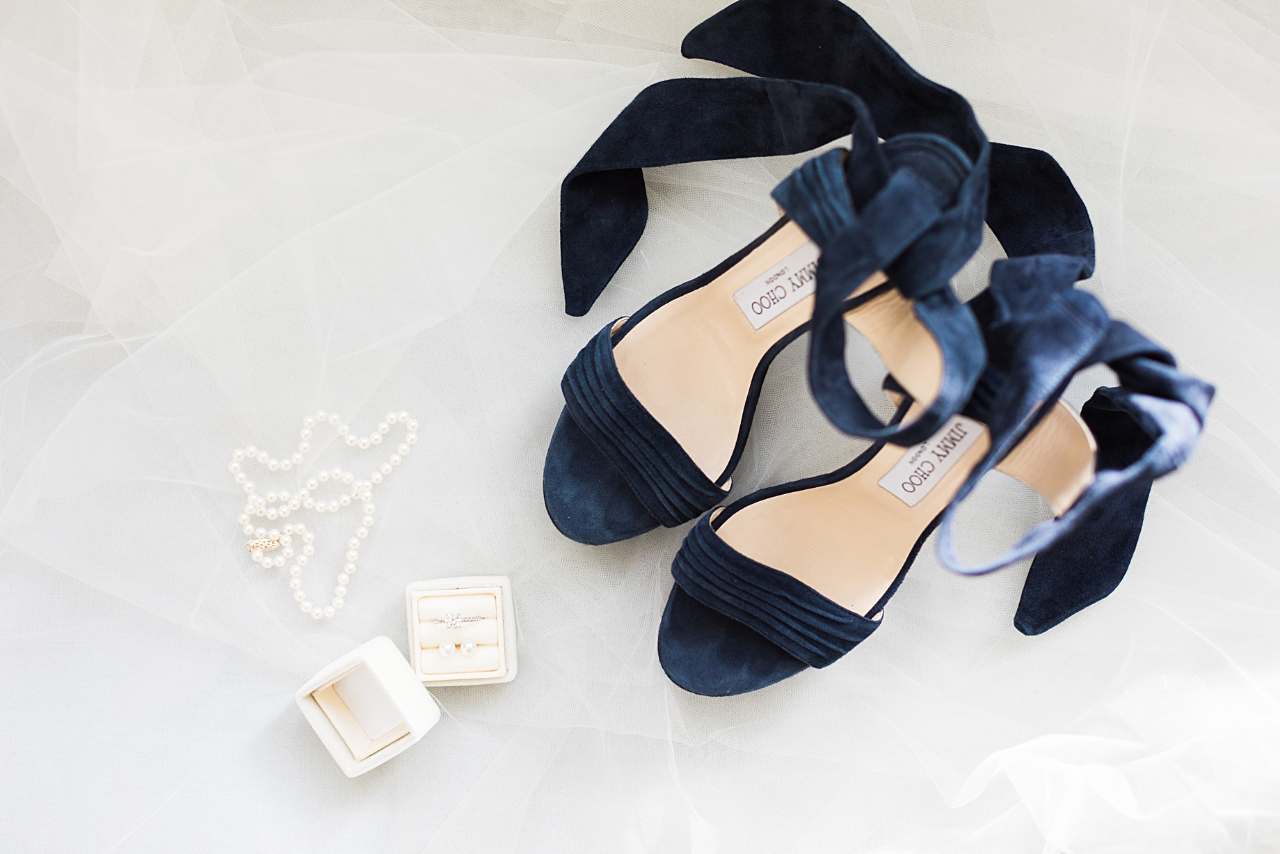 Winter Wedding Bridal Details | Philadelphia Winter Wedding