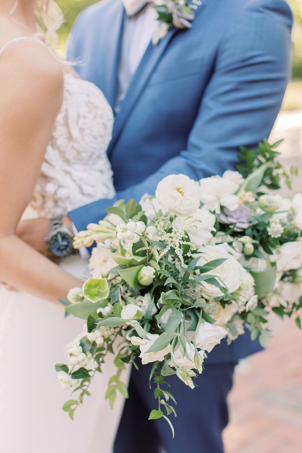 romantic wedding portraits | whisper and brook flower co bouquet | sarah canning photography