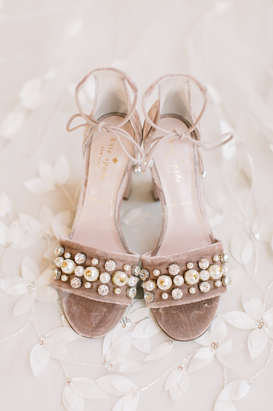 Kate Spade bridal shoes | purple wedding shoes | sarah canning photography