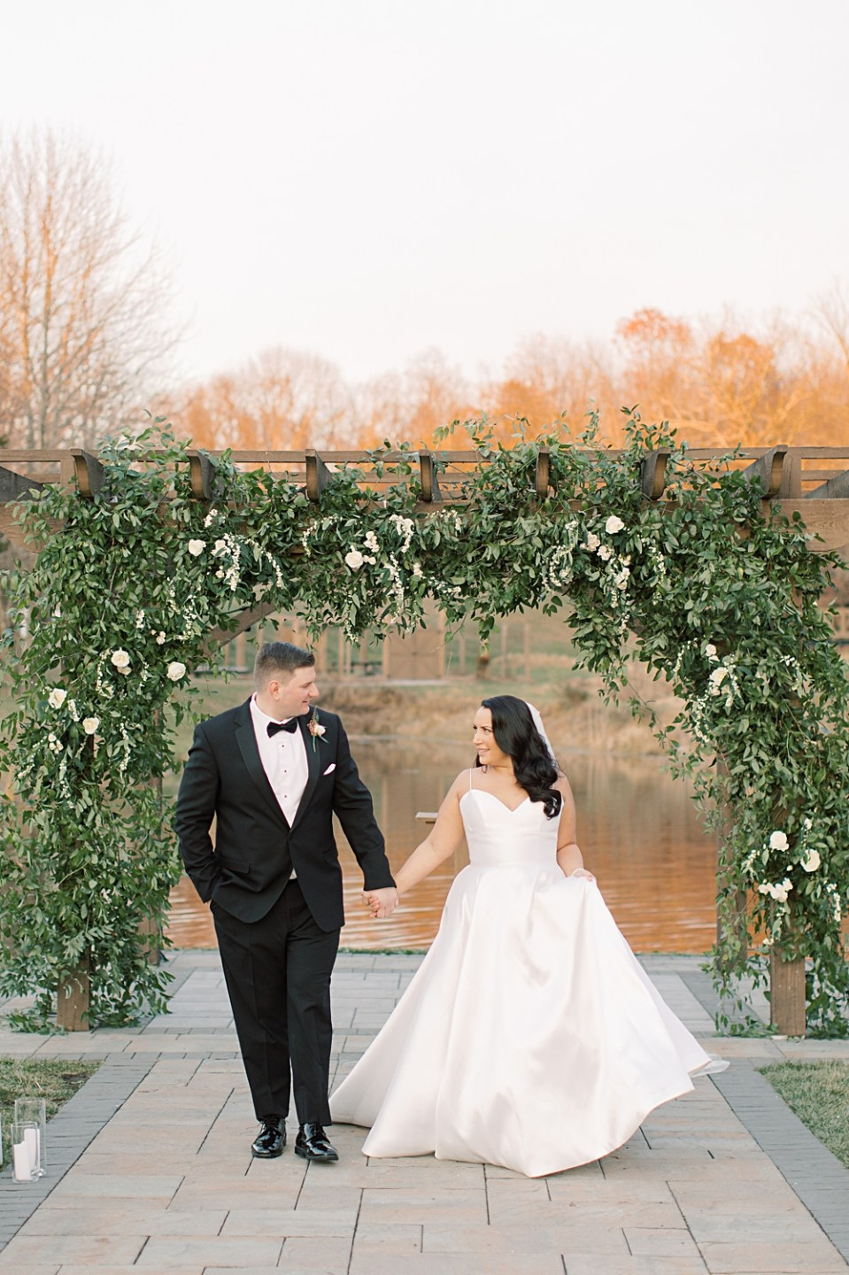 greenery wedding ceremony arch | new jersey wedding photographer sarah canning photography