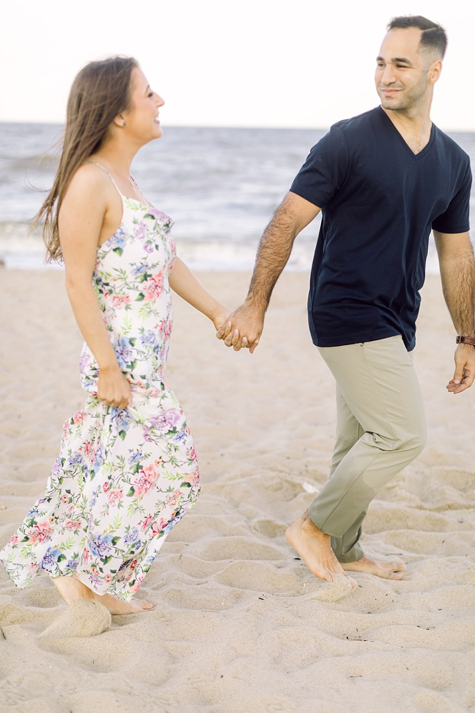 engagement pictures on the beach   new jersey photographer sarah canning
