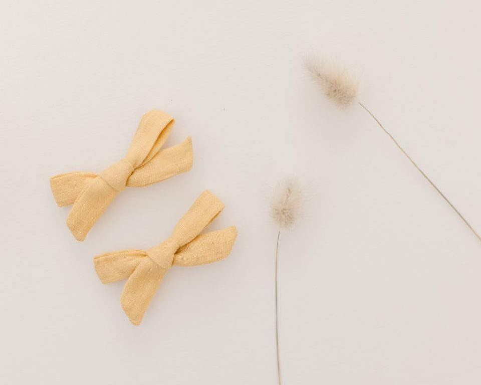photo of yellow hair bows
