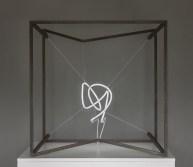 Introverted perspective #13, 80 x 80 x 80 cm, Iron, neon, fili di nylon. © Photo Oliviero Santini