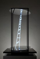 Limen #1, 2009, 120 x 80 x 80 cm, Iron, neon, plexiglass, mirror. © Photo Andrea Messana