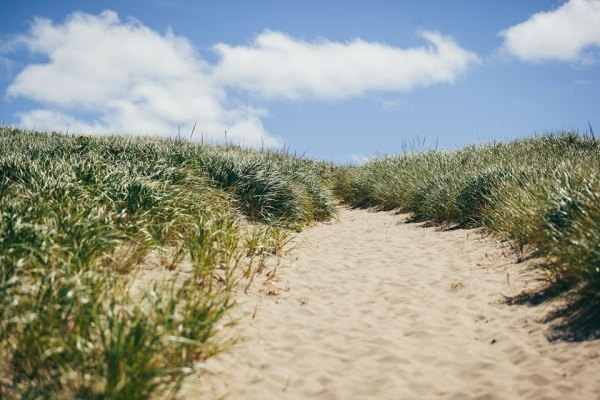 healthy-chopped-greek-beach-salad-dunes-2-loveleaf-co
