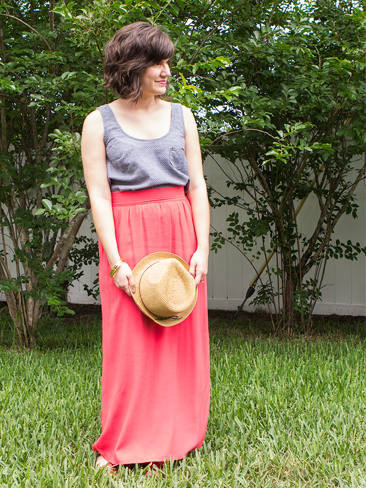 Sew up this simple tank in chambray fabric. It will soon be your summer wardrobe staple!