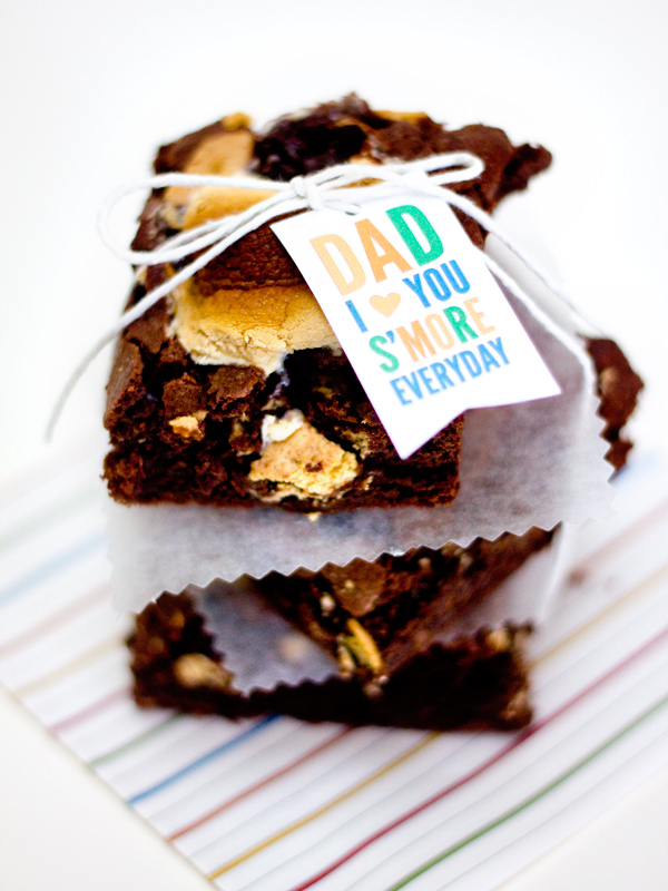 Make dad s'mores brownies and then wrap them up with these cute printable Father's Day gift tags.