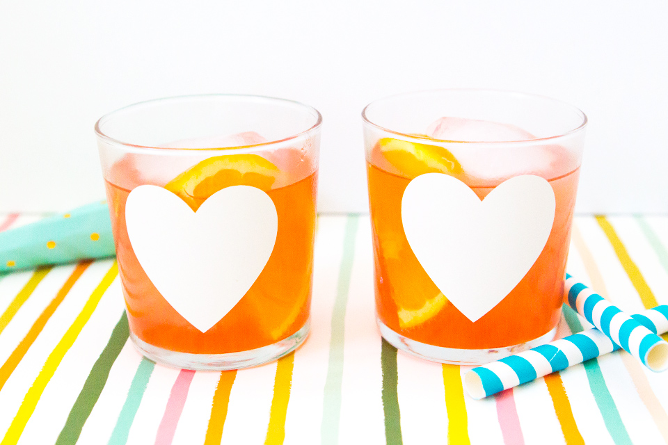 How cute are these heart glasses? Love how the decal can be removed and the glasses can be reused for another occasion.