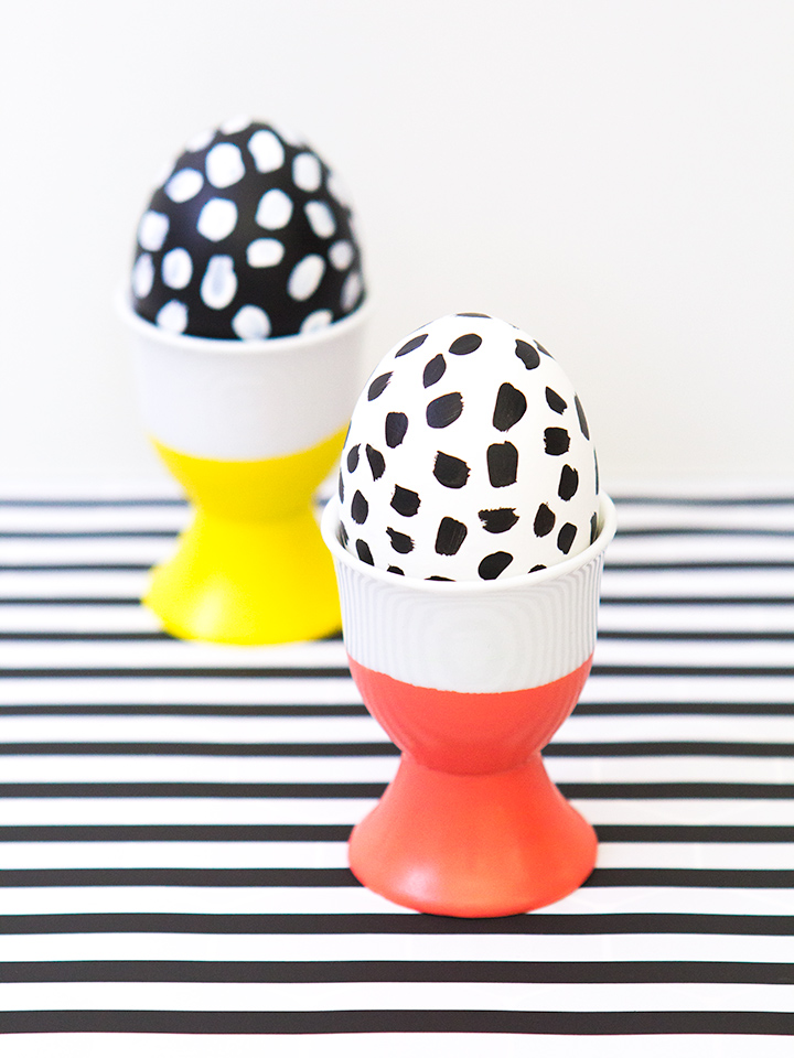 Love these simple DIY paint dipped egg cups. Such a cute and easy way to show off my favorite eggs.