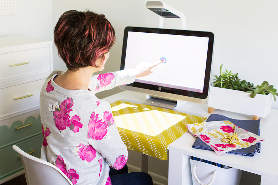 The Sprout by HP can be used for all sorts of creative projects including creating cute printable shapes that are perfect for decoupaging onto planters and more.