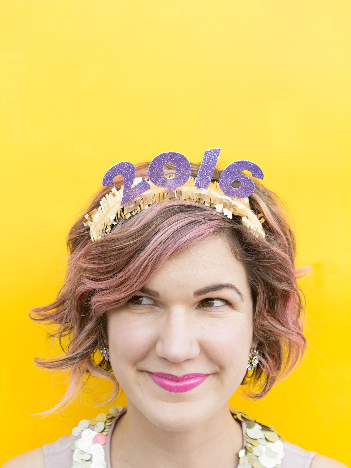 Ring in the new year with these festive easy-to-make diy headbands! (click through for tutorial)