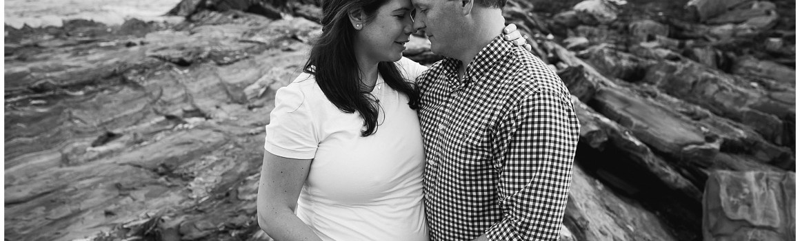 Pemaquid Point Maternity Photography Session   Pemaquid Point Lighthouse