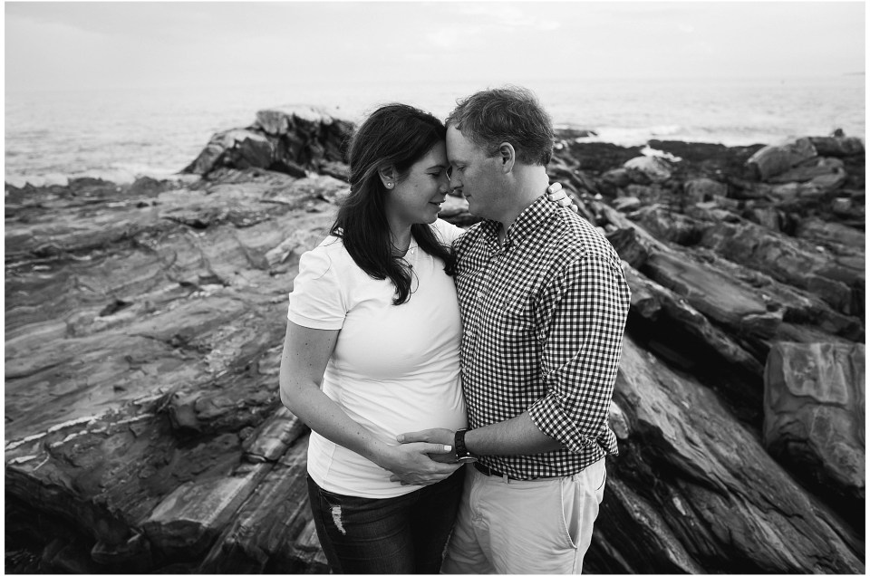 Pemaquid Point Maternity Photography Session | Pemaquid Point Lighthouse