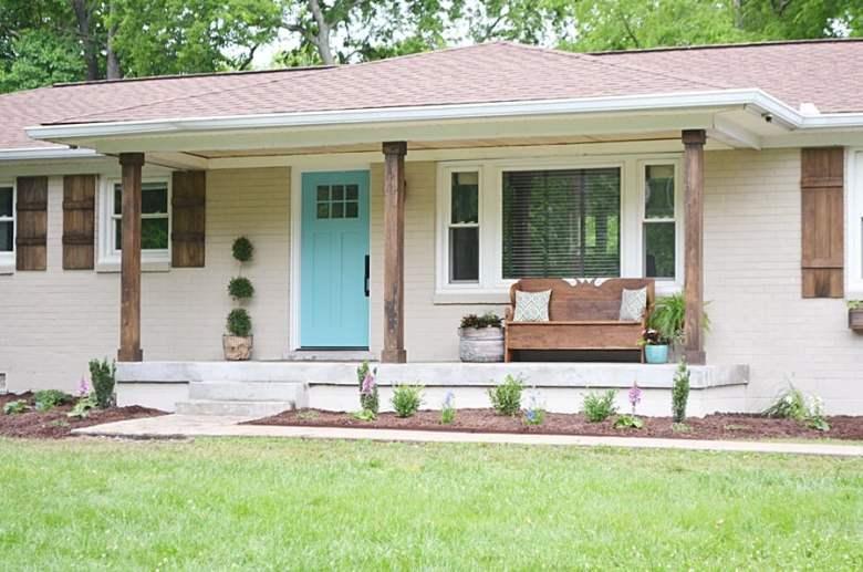 Farmhouse Exterior Paint Color Ideas. Fixer Upper Exterior Paint Color Ideas.