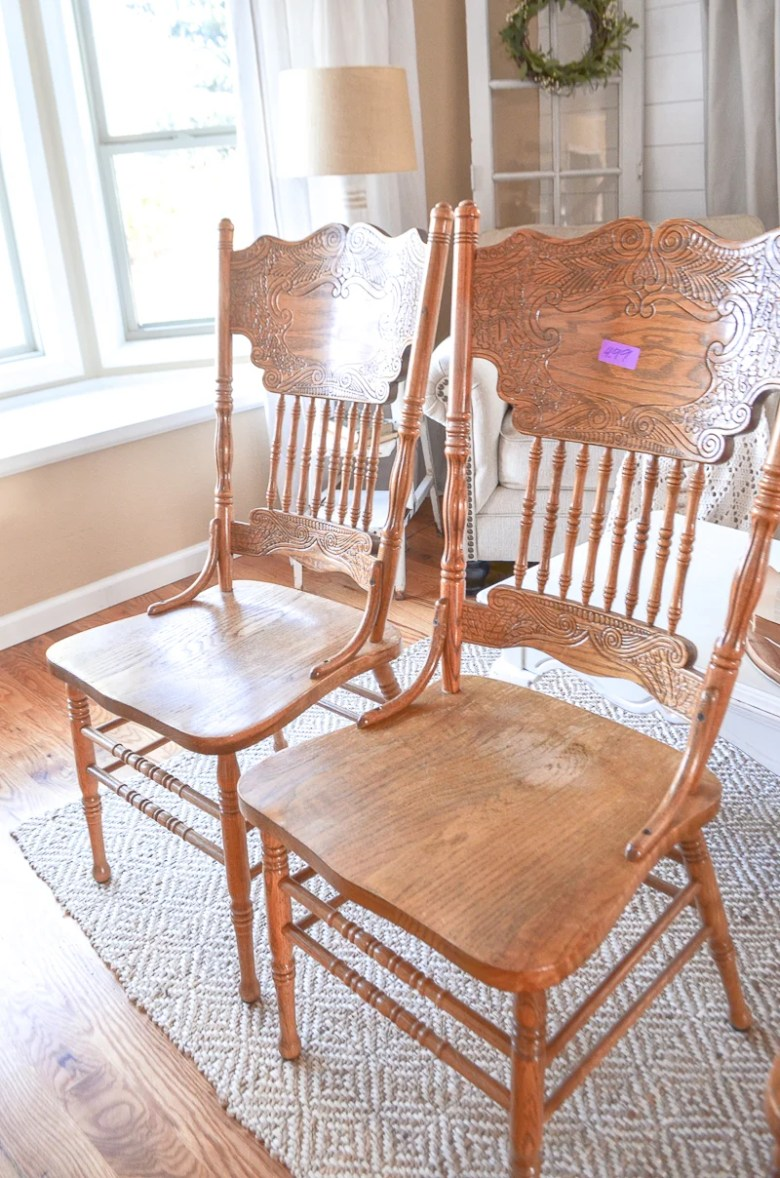 side-by-side comparison and review of the Rust-Oleum chalky spray paint and the regular Rust-Oleum chalk paint