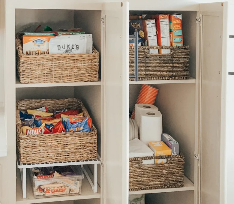 Organize the kitchen cabinets with me