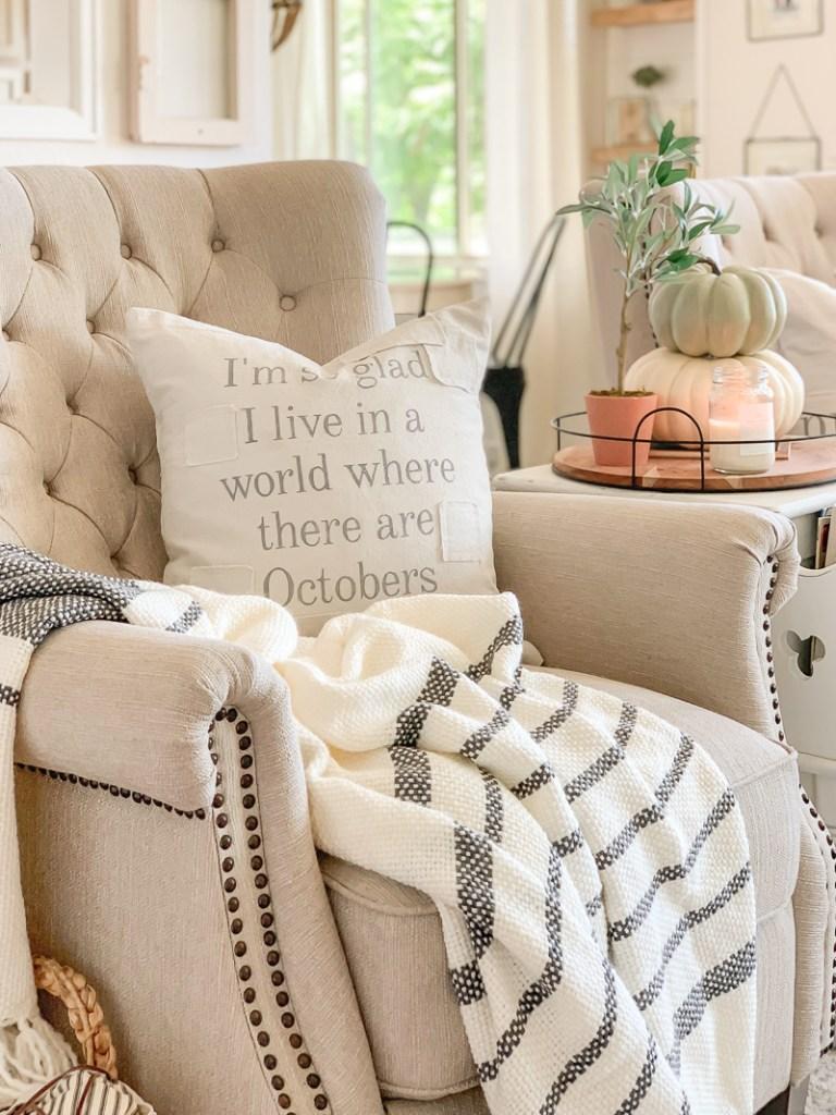 The Best Fall Pillows. Fall Decor ideas.