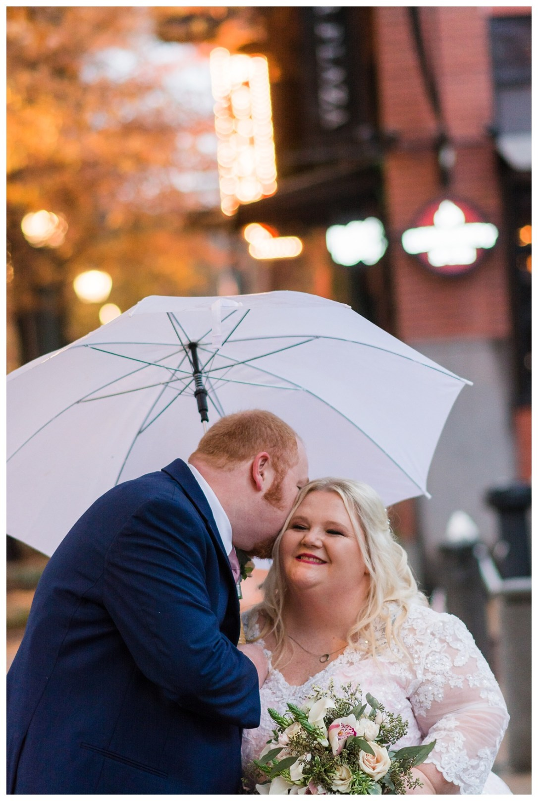 white umbrella for wedding