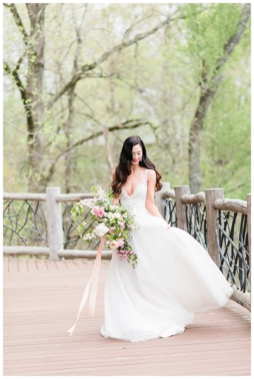 2400 on the River Floral Wedding_2160