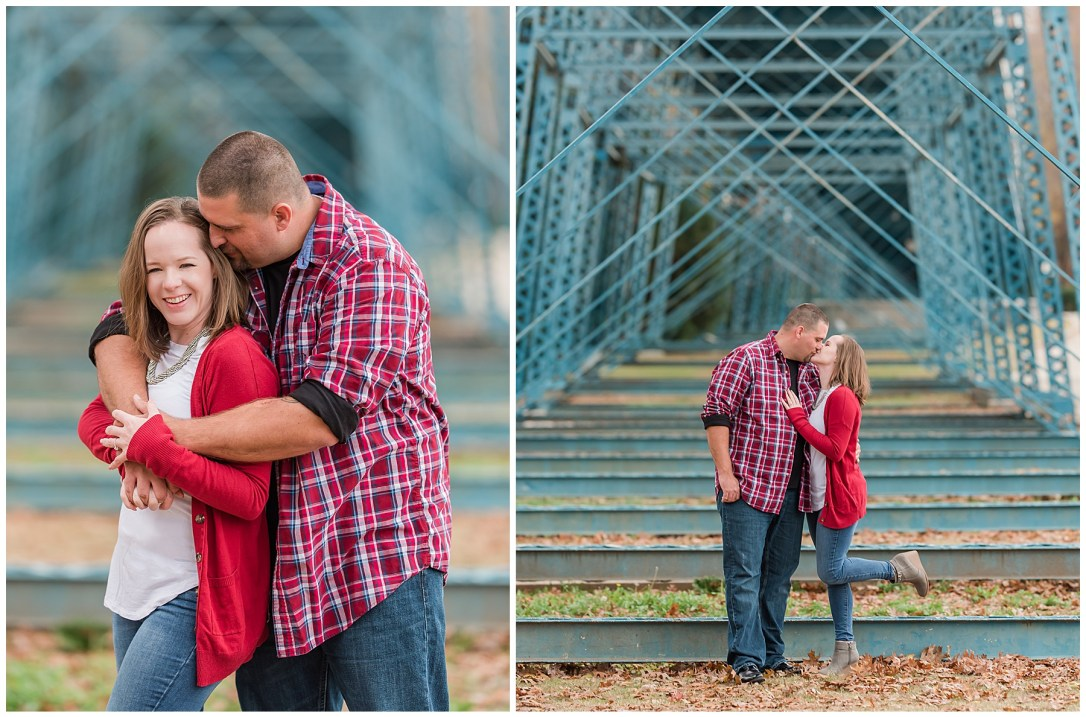 Couple in Coolidge Park in Chattanooga