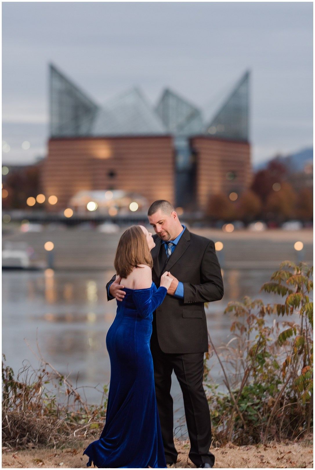Coolidge Park Engagement Photo Ideas