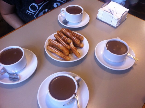 Churros con chocolate date