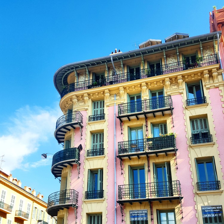 nice-france-old-town-building