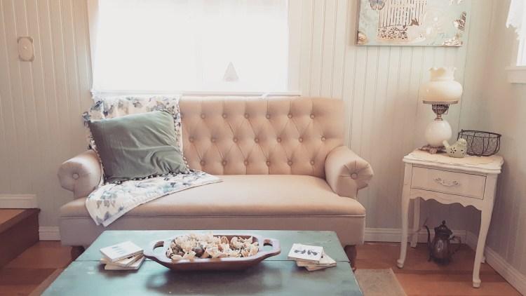 tiny-house-interiors-living-room