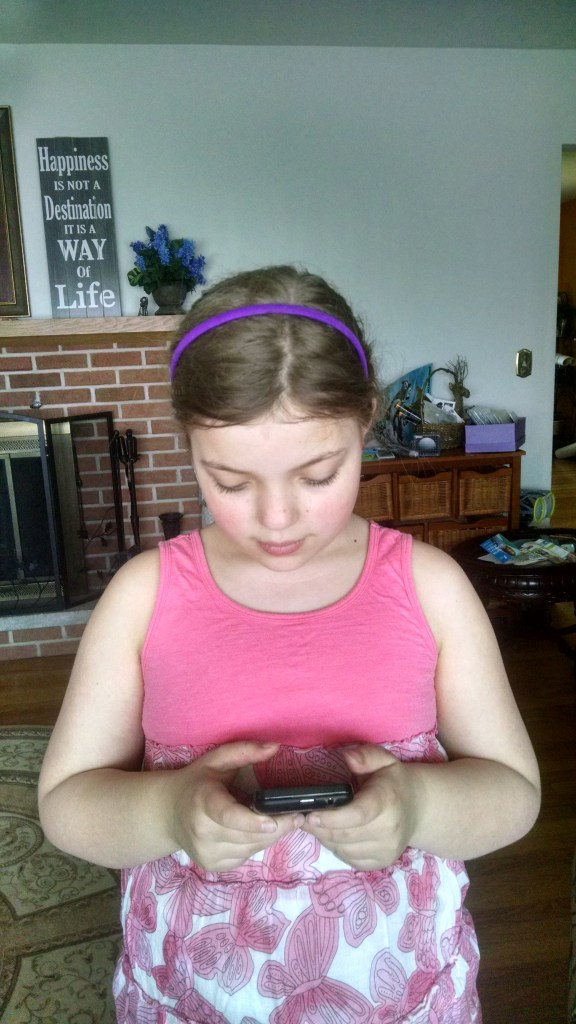 Pros and Cons of Kids Having Phones