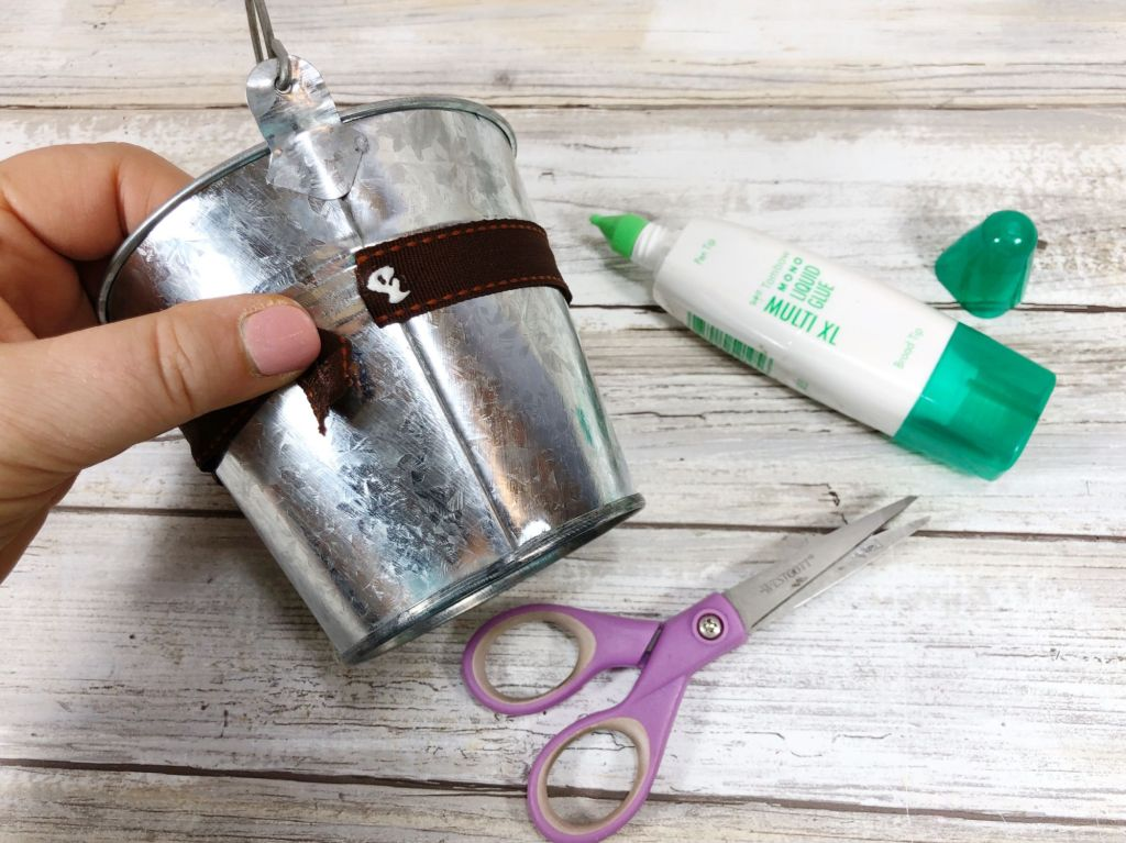 decorating a silver bucket
