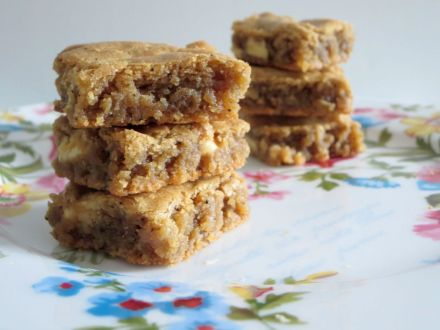 Coffee Flecked Browned Butter Blondies w White Chocolate Chunks