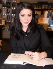 Closeup of Bristol at her Washington DC book signing