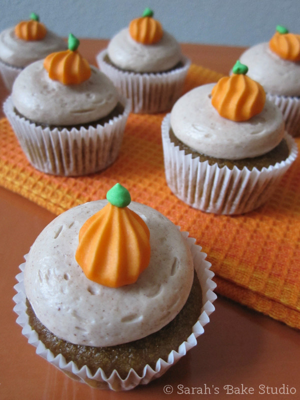 Pumpkin Mini Cupcakes with Cinnamon Buttercream