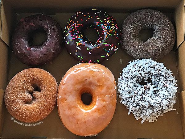 Sarah's Bake Studio: Sarah Does Seattle - Top Pot Doughnuts
