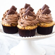 Peanut Butter Heath Cupcakes