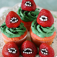 Monster Strawberry Cupcakes from Yummy Crumble