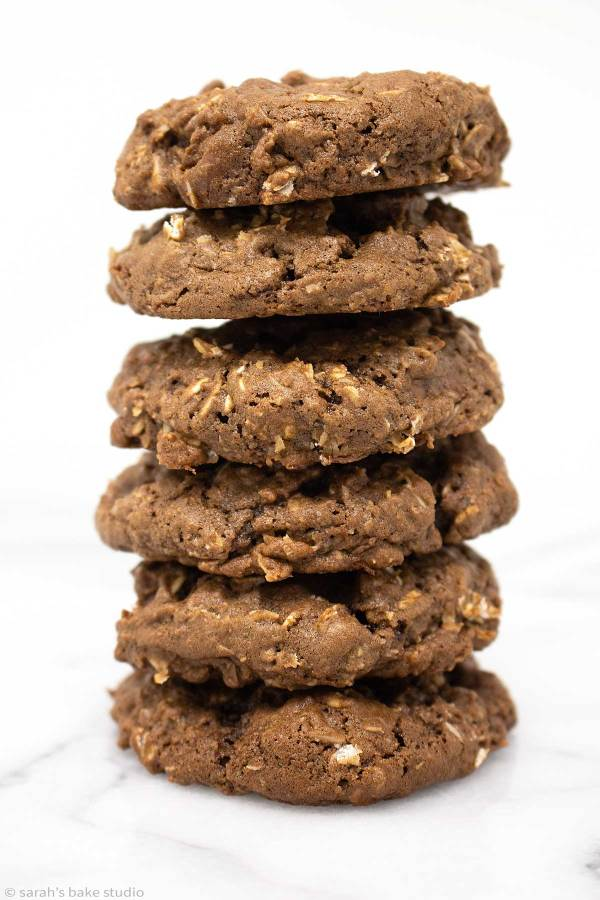 Chocolate Oatmeal Cookies - your favorite classic oatmeal cookie with milk chocolate chips kicked up a delicious notch with the addition of more chocolate; oatmeal cookie lovers and #choctoberfest lovers unite.