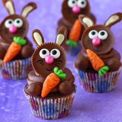 Reese's Cup Easter Bunny Cupcakes from Hungry Happenings