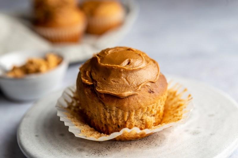 Biscoff stuffed muffins