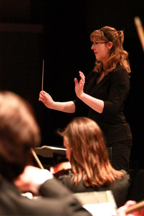 Prof Wallin Huff conducting...
