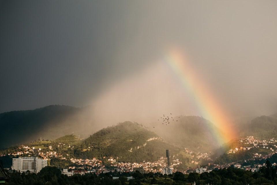 Foto: Igor Isanović/ Duga iznad Sarajeva