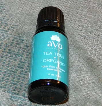 āVō Essentials: Tea Tree and Oregano Oil