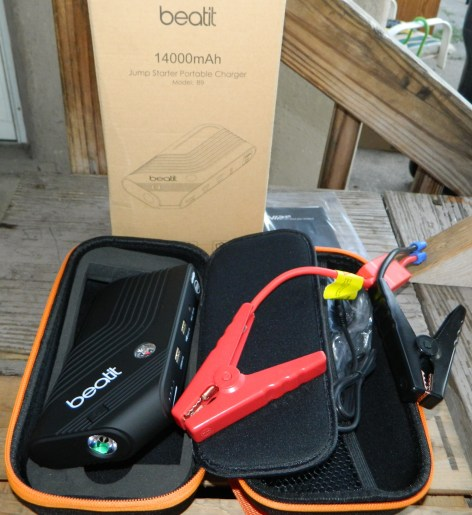 Beatit 600A Peak 14000mAh car jump starter