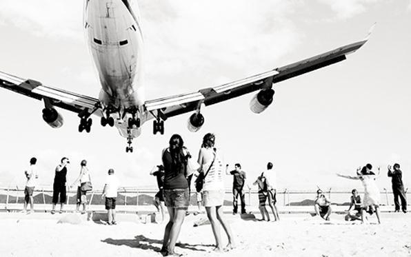 jet-airliner-josef-hoflehner